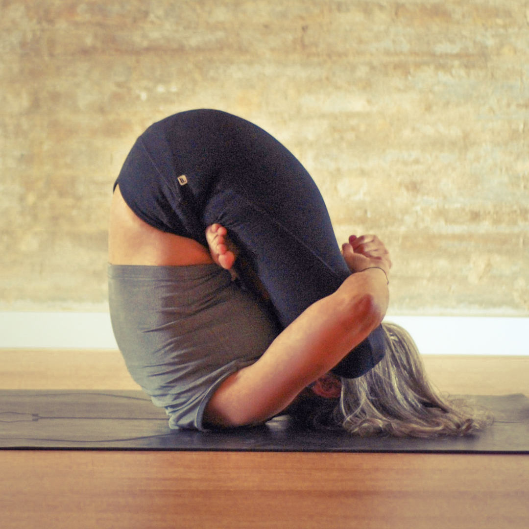 by yogaflowvlc.com